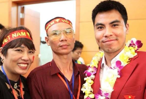 Bà Trần Thị Nhâm cùng chồng và con trai Đức Huy