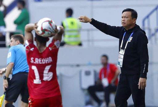 HLV trưởng tạm quyền Sirisak chưa có bằng Pro theo quy định của AFC