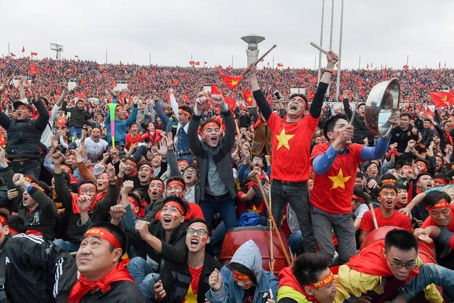 Thành công nối tiếp của các đội tuyển bóng đá quốc gia mang đến niềm vui, sự tự hào cho người hâm mộ