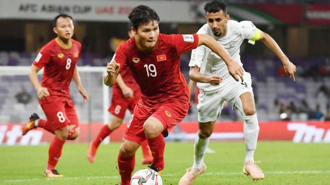 FOX Sports nhiều lần khuyên Quang Hải (19) ra nước ngoài thi đấu