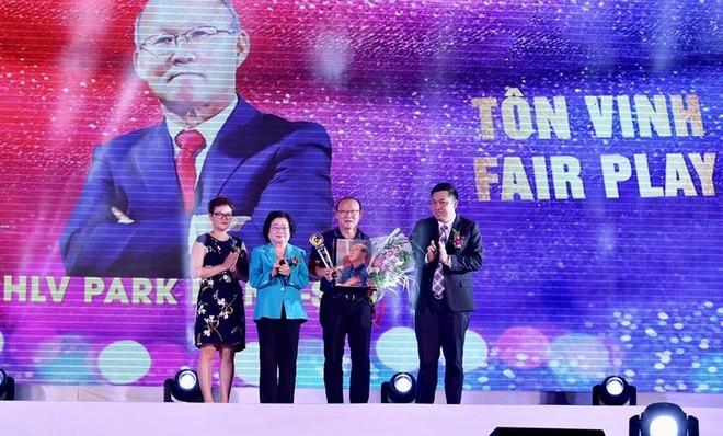 HLV Park Hang-seo được Vinh danh Fair-play