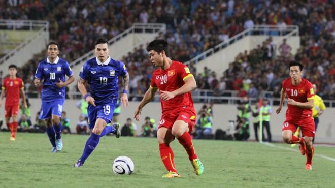Tháng 6 tới, ĐT Việt Nam (áo đỏ) sẽ sang Thái Lan đá King's Cup