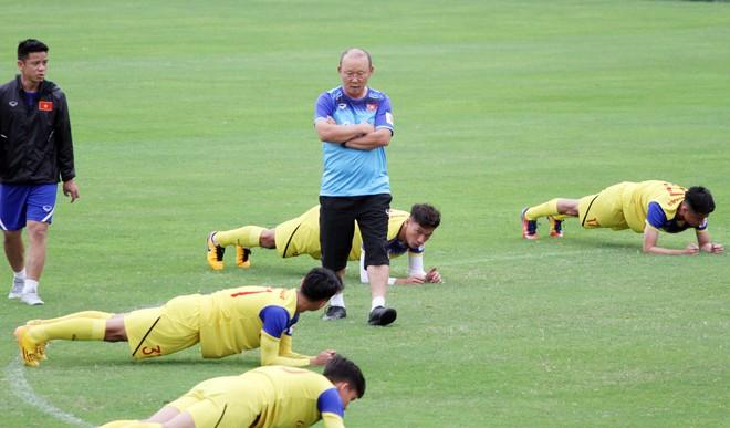 HLV Park Hang-seo chủ động nhận gánh cả ĐTQG và chỉ tiêu vô địch SEA Games vì ông không có thói quen rút lui vì áp lực