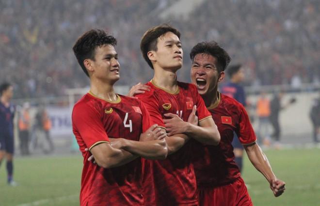 Chỉ hai ngày sau trận thắng chật vật Indonesia 1-0, U23 Việt Nam lột xác hoàn toàn để tạo địa chấn với chiến thắng hủy diệt 4-0 trước kình địch Thái Lan
