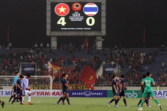 Lần đầu tiên một đội tuyển bóng đá nam Việt Nam thắng cách biệt Thái Lan 4 bàn