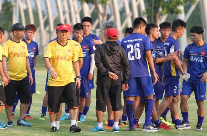 Tháng 5 tới, HLV Park Hang-seo sẽ rất bận rộn với công việc ở cả hai đội tuyển