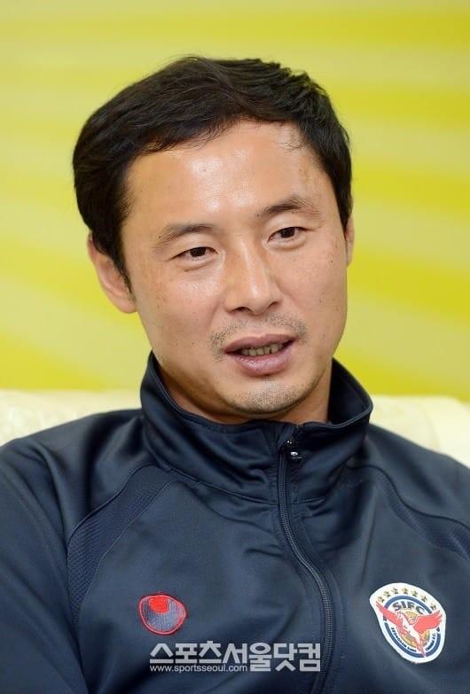 Ông Kim Han-yoon sẽ tạm thay Park Hang-seo làm HLV trưởng U23 Việt Nam ở trận giao hữu với U23 Myanmar ngày 7-6 tới