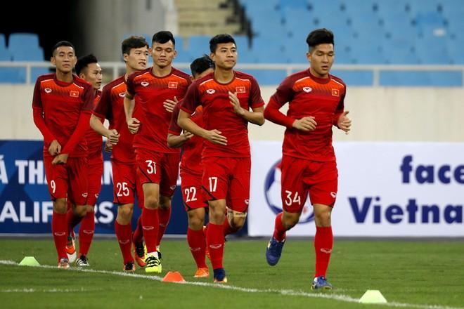 Nhiệm vụ trước mắt của ông Park là rút ngắn khoảng cách giữa các tuyển thủ và tân binh ở U23 Việt Nam (Ảnh: Vũ Vy)