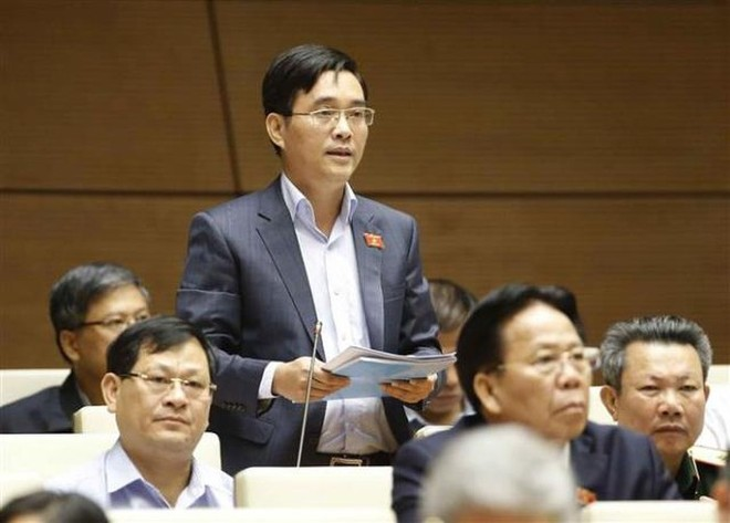 Đại biểu Hoàng Quang Hàm đề nghị giữ nguyên quy định dự án trọng điểm quốc gia có mức vốn đầu tư từ 10.000 tỷ đồng như luật hiện hành