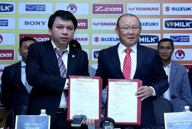 VFF đang chủ động tiến hành các bước để tái ký hợp đồng với HLV Park Hang-seo