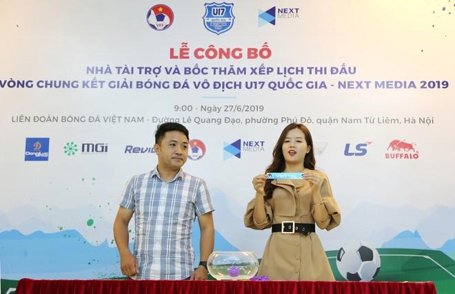Nhiều cặp đấu hấp dẫn được xác định tại lễ bốc thăm chia bảng giải U17 quốc gia