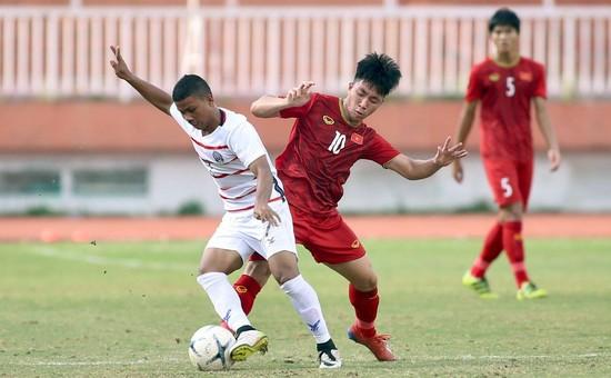 U18 Việt Nam (áo đỏ) chia tay giải bằng trận thua 1-2 đầy thất vọng trước Campuchia