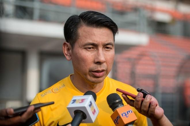 HLV Tan Chang Hoe chịu áp lực không nhỏ từ truyền thông và người hâm mộ Malaysia khi làm khách tại Mỹ Đình ngày 10-10