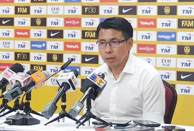 """HLV Tan Cheng Hoe tiết lộ 3 """"thương binh"""" bị loại trước khi sang Việt Nam"""