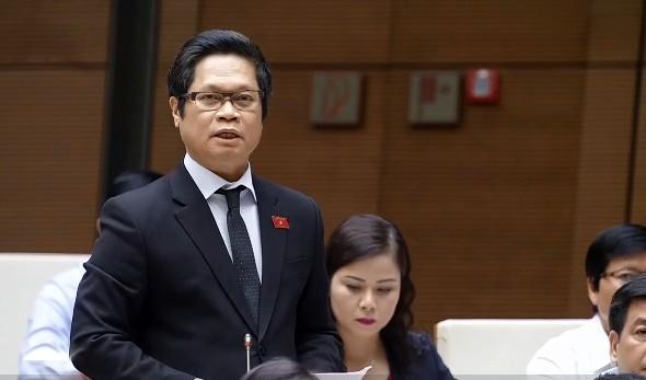 Đại biểu Vũ Tiến Lộc phát biểu thảo luận sáng 30-10