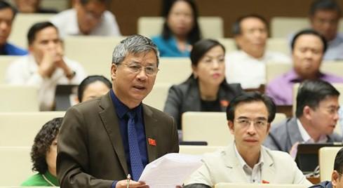 Đại biểu Nguyễn Anh Trí phát biểu trước Quốc hội, chiều 31-10