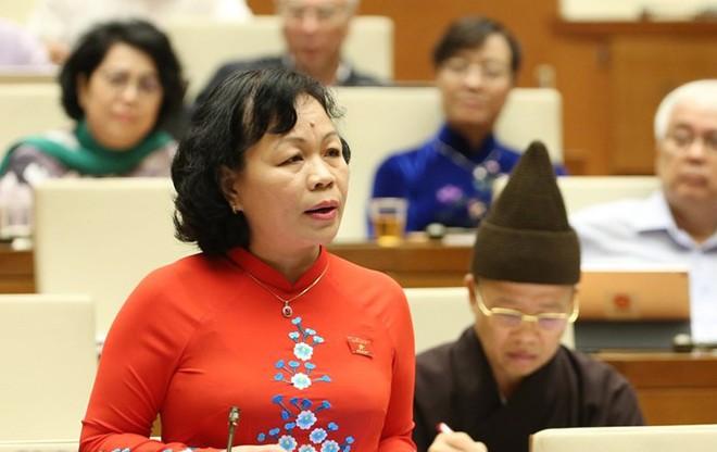 Đại biểu Nguyễn Thị Mai Hoa thảo luận sáng 13-11