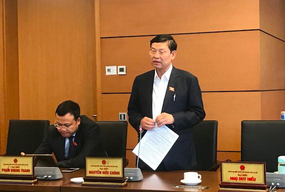 Đại biểu Nguyễn Hữu Chính đề xuất quy định theo hướng nhà nước và người dân cùng có trách nhiệm chi trả lệ phí công tác hoà giải, đối thoại tại Toà án