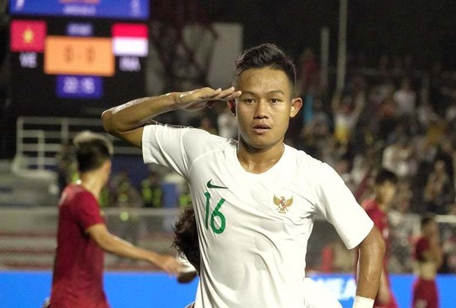 Rizki Sani mở tỷ số cho U22 Indonesia