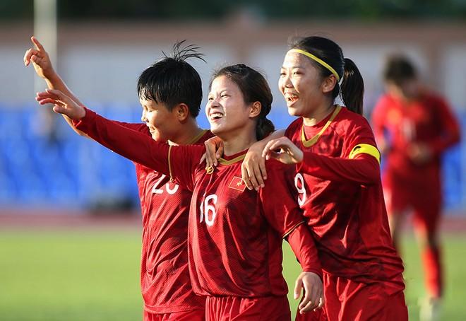 Tuyển nữ Việt Nam bỏ túi 1,5 tỷ đồng sau 2 trận vòng bảng SEA Games 30