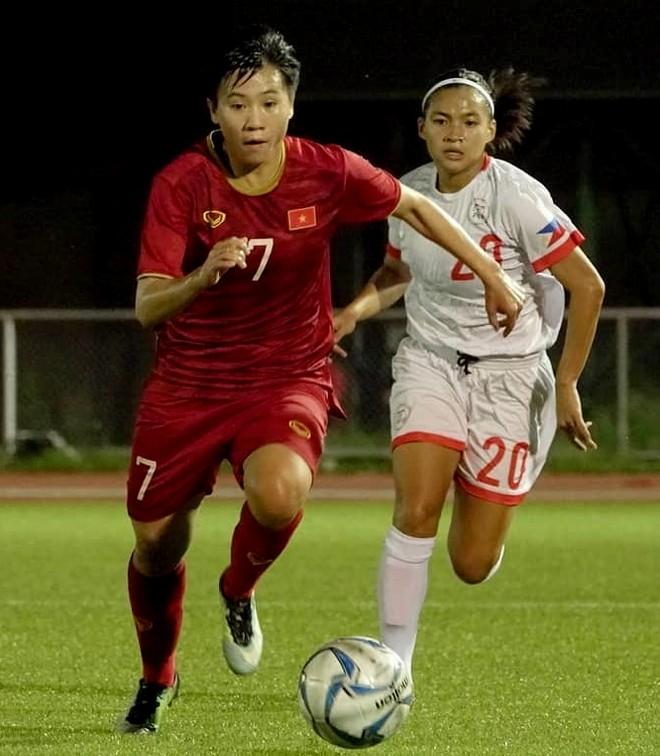 Tuyết Dung ấn định chiến thắng 2-0, cùng vé chung kết cho tuyển Việt Nam