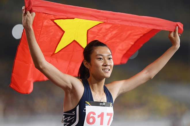 """""""Nữ hoàng mới"""" của điền kinh Việt Nam Lê Tú Chinh sẽ ra quân ở 200m hôm nay"""