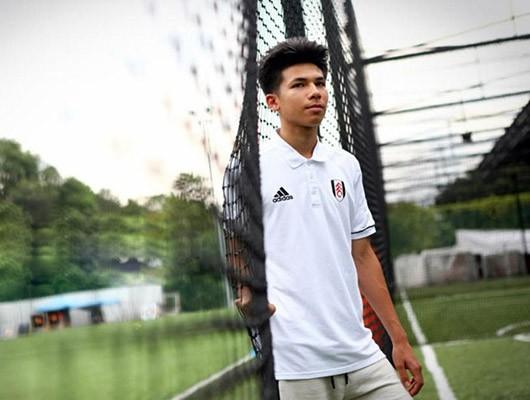 Cầu thủ 19 tuổi thuộc biên chế CLB Fulham, Benjamin James Davis là cái tên chú ý trong danh sách tập trung của U23 Thái Lan