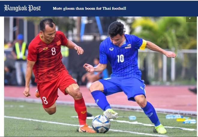 Bangkokpost tổng kết một năm ảm đạm của các đội tuyển Thái Lan, bao gồm sự lép vế khi so sánh với các đại diện của Việt Nam (Ảnh chụp màn hình)