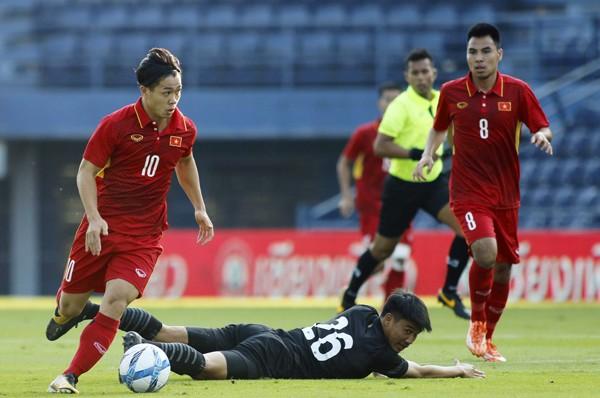 Đoàn quân Park Hang-seo đánh bại chủ nhà Thái Lan 2-1 trong trận tranh hạng ba giải M150 Cup 2017
