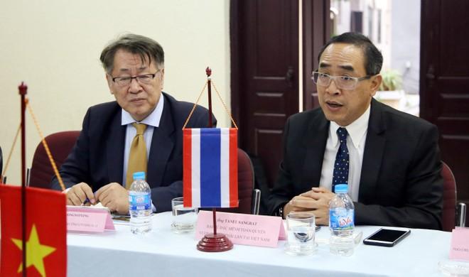 Đại sứ Tanee Sangrat mong muốn Hội Nhà báo TP Hà Nội và Chiang Mai tiếp tục hợp tác, thúc đẩy tuyên truyền du lịch giữa hai tỉnh, thành phố cũng như giữa 2 đất nước