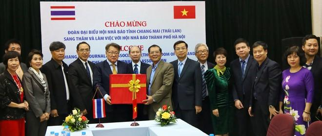 Hội Nhà báo Hà Nội và Chiang Mai tăng cường hợp tác, thúc đẩy quảng bá du lịch ảnh 5