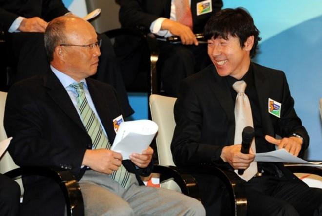 HLV Shin Tae-yong và HLV Park Hang-seo tại một sự kiện