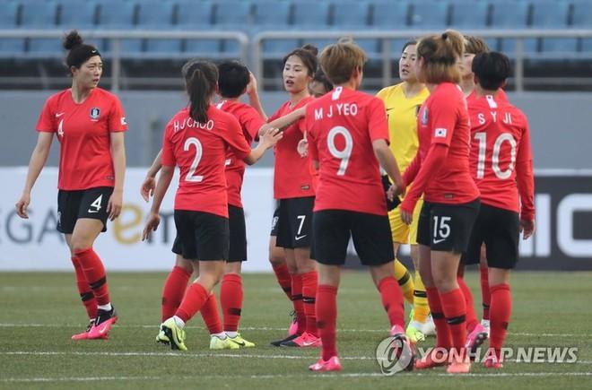 Tuyển nữ Hàn Quốc chưa tìm được sân đá trận lượt đi play-off với Trung Quốc