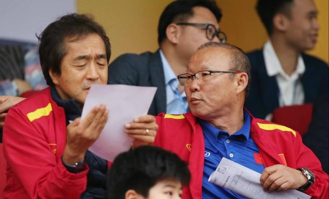 Kết thúc cách ly y tế, HLV Park cùng trợ lý sẽ tới các sân V-League dự khán, tuyển quân cho đội tuyển