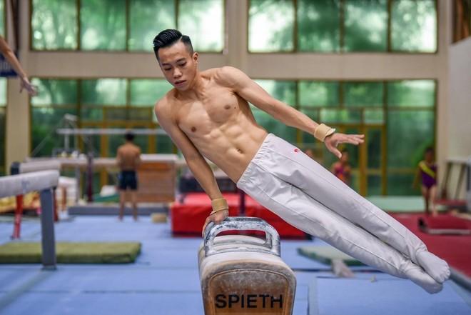 Ngay khi biết Olympic Tokyo lùi lại khoảng 1 năm, Lê Thanh Tùng đã tăng độ khó các bài tập để có thêm cơ hội giành huy chương Thế vận hội