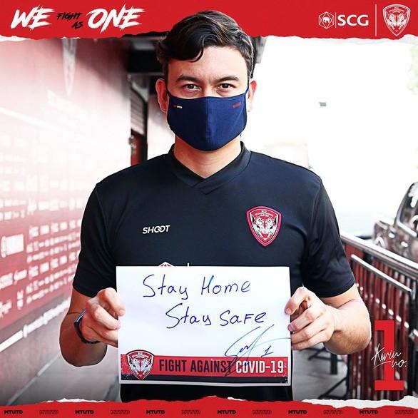 Muangthong United sử dụng hình ảnh Đặng Văn Lâm để truyền thông điệp phòng chống dịch Covid-19