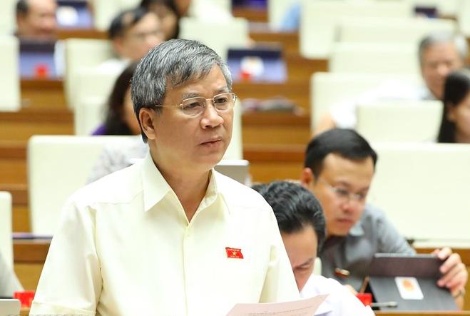 Đại biểu Nguyễn Anh Trí đề nghị luật khuyến khích phương thức hoả táng, thay thế địa táng