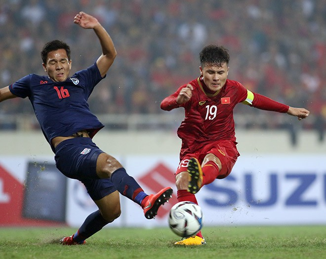 FAT tính cử đội trẻ Thái Lan (trái) đá vòng bảng AFF Cup 2020