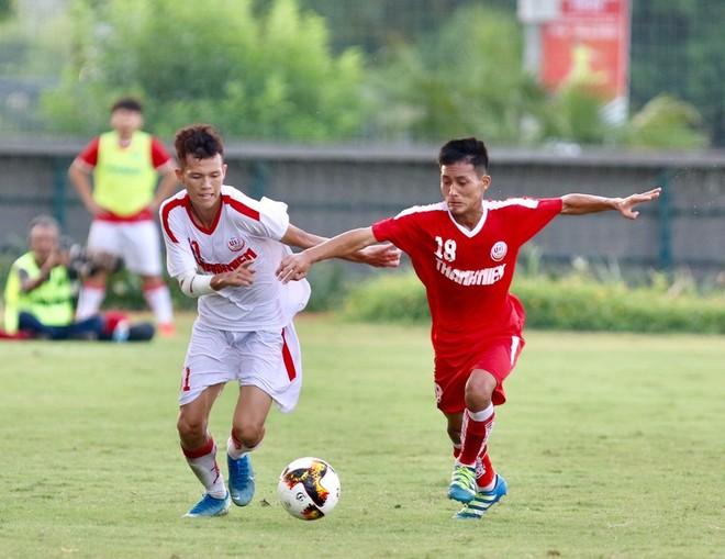 U19 HAGL II (áo trắng) bị loại dù thắng U19 Bình Dương tới 3-0 ở lượt trận cuối