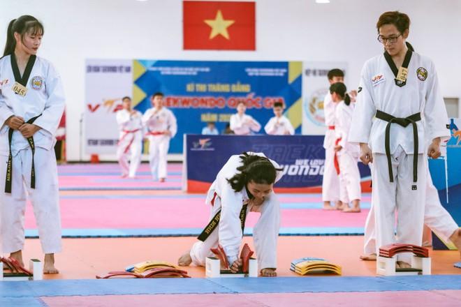 Hơn 100 võ sinh Hà Nội thi thăng đẳng Taekwondo quốc gia