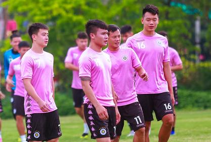 Đương kim vô địch Hà Nội đang gặp khủng hoảng về lực lượng