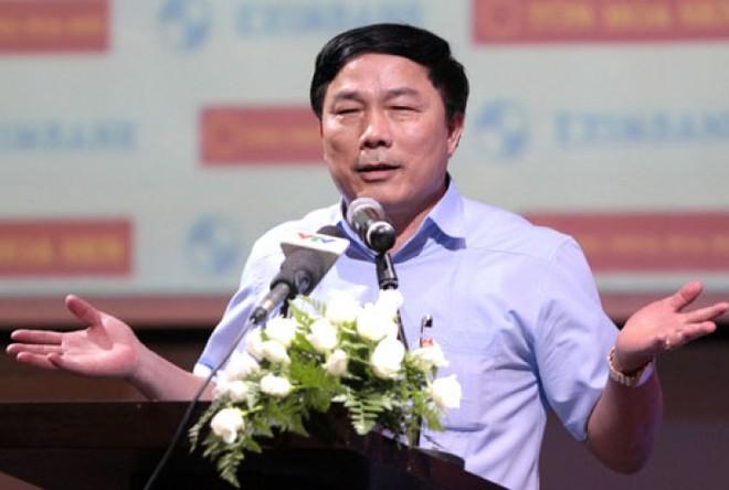 Trên thế giới hiếm có ông bầu nào hôm trước nằng nặc đòi bỏ giải hôm sau lại hứa đá tiếp như bầu Đệ của CLB Thanh Hoá