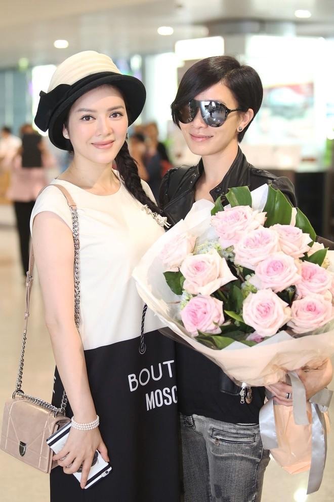 Xa Thi Mạn đẹp giản dị và cá tính khi đến Việt Nam ảnh 8