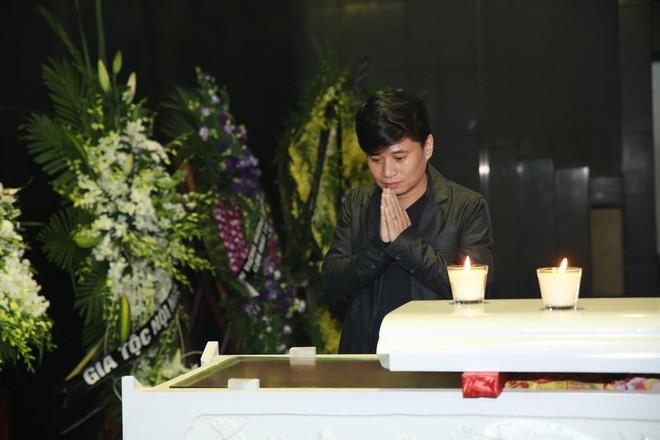 Hình ảnh nghệ sĩ xót xa tiễn đưa nhạc sĩ Thanh Tùng ảnh 17