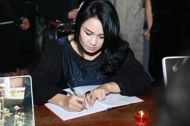 Hình ảnh nghệ sĩ xót xa tiễn đưa nhạc sĩ Thanh Tùng ảnh 12
