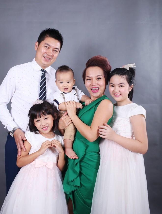 """Thái Thùy Linh hạnh phúc với """"con anh, con tôi, con của chúng ta"""" ảnh 2"""