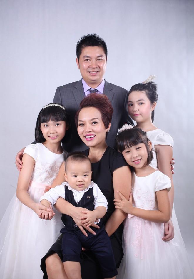 """Thái Thùy Linh hạnh phúc với """"con anh, con tôi, con của chúng ta"""" ảnh 5"""