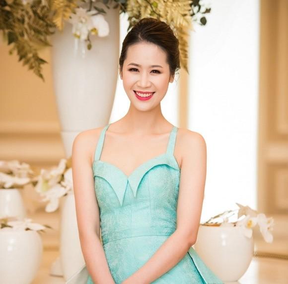 Người đẹp Dương Thùy Linh và MC Hạnh Phúc đảm nhận vai trò dẫn dắt đêm bán kết