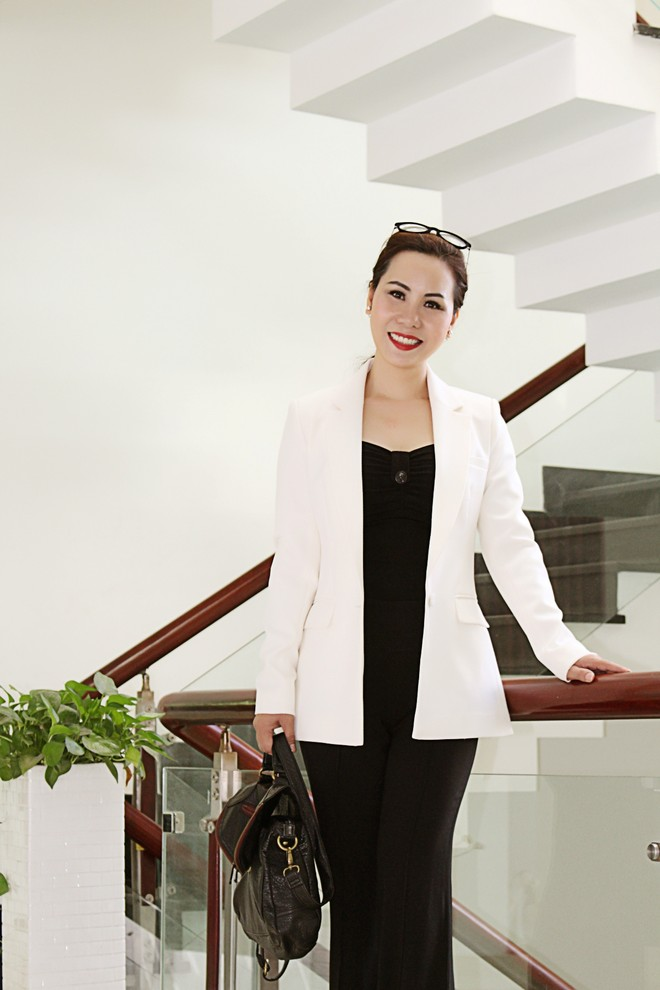 Nữ hoàng Kim Chi phá cách với trang phục vest