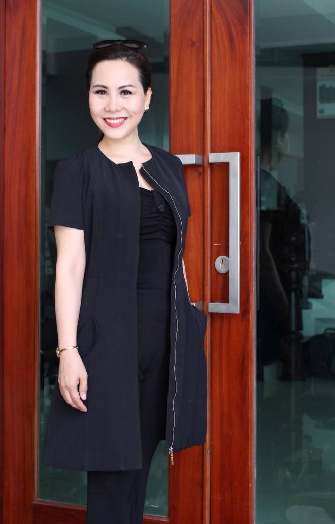 Nữ hoàng Kim Chi phá cách với trang phục vest ảnh 2